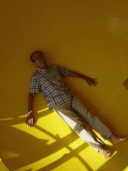 球体部屋の床